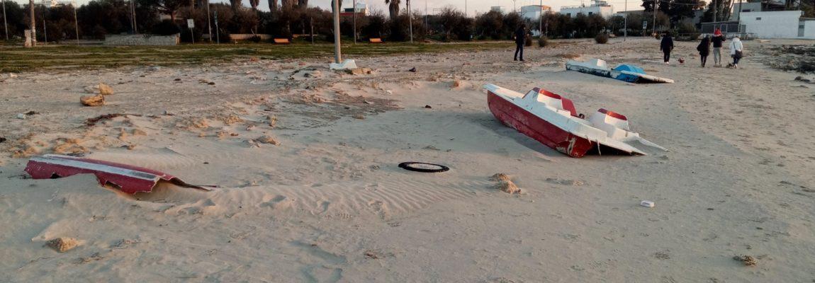 LA BEFFA DEI PEDALÒ ABUSIVI IN SPIAGGIA, 3 MILA EURO PER RECUPERARLI